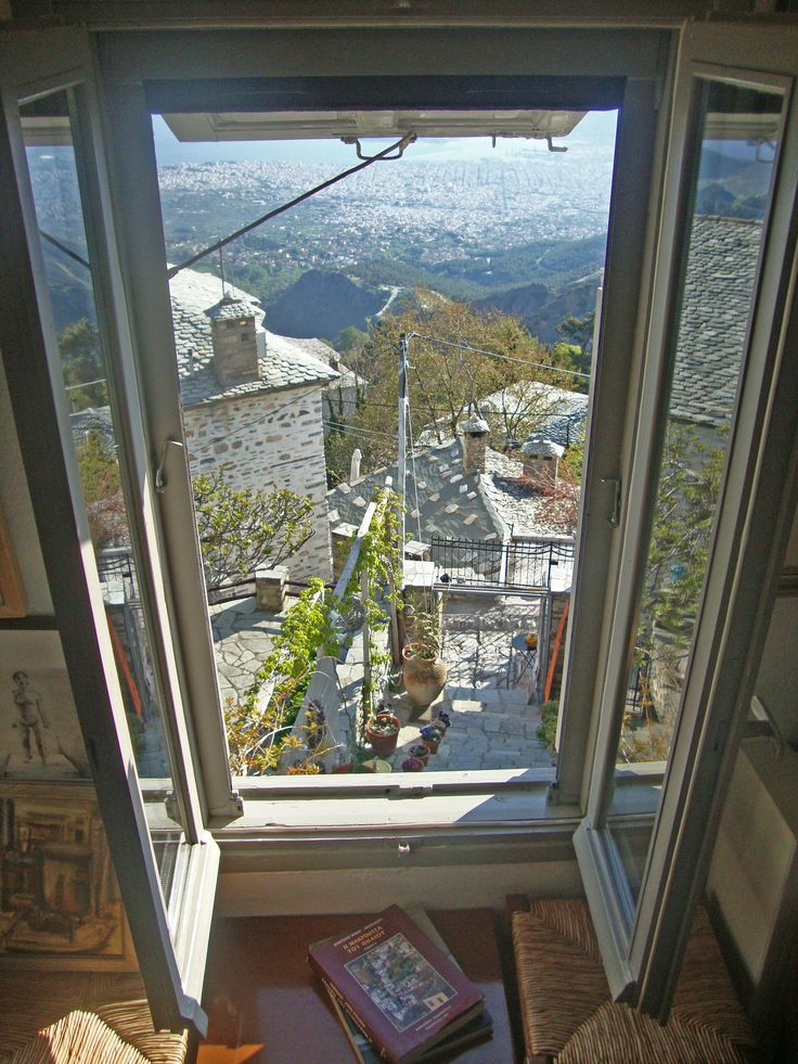 The Art Mansion is located on one of the most picturesque areas of the Pelion