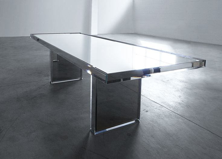 Mirrored glass table by Tokujin Yoshioka for Glas Italia | design