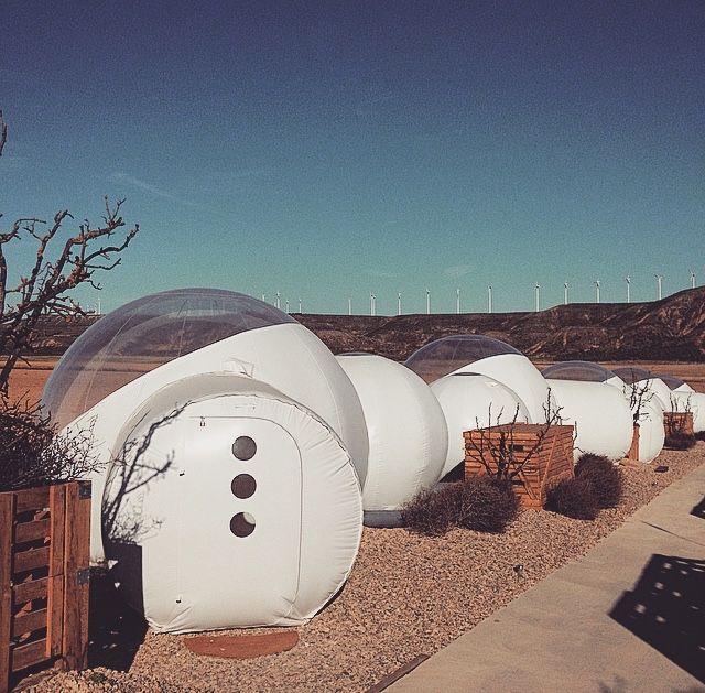bubble hotel en plein désert dans le sud de l'Espagne