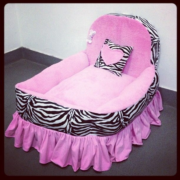 <3 this dog bed! Bella's Christmas present?