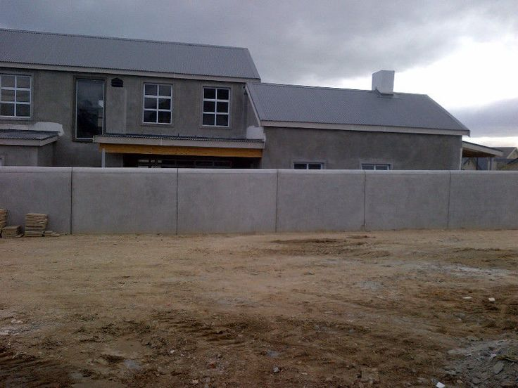 We are masters in plastering ,floor screeds,skimming and maintanance in helderberg and surrounding areas.Our services are compared to none in all ,neat ,quality work ,reliable ,hardworking and honest to all my clients.Work is done by professional ,skilled workers at affordable rates.Contact project manager on 0710376786 or email lzenda02@gmail.comBring your immagination to reality now