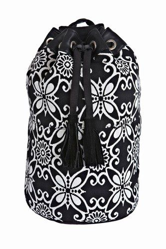 Before you set off along the coast squeeze your swimming towels into this handy canvas beach bag.