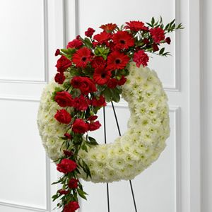 The FTD® Graceful Tribute™ Wreath S44-4542