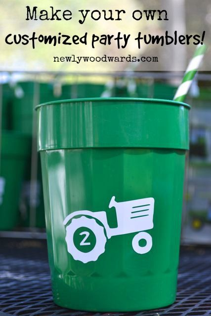 Create your own (inexpensive) customized tumblers for your next party.: Personalized Tumblers, Stadiums Cups, Plastic Cups, Crafts Ideas Diy, Custom Parties Cups, Tumblers Cups Vinyls, Custom Tumblers, Diy Custom Cups, Cricut Ideas For Baby