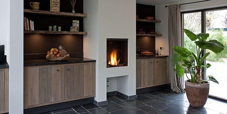Ticino landelijke keuken keuken met open haard houten keuken landelijke keuken keuken - Deco moderne open haard ...