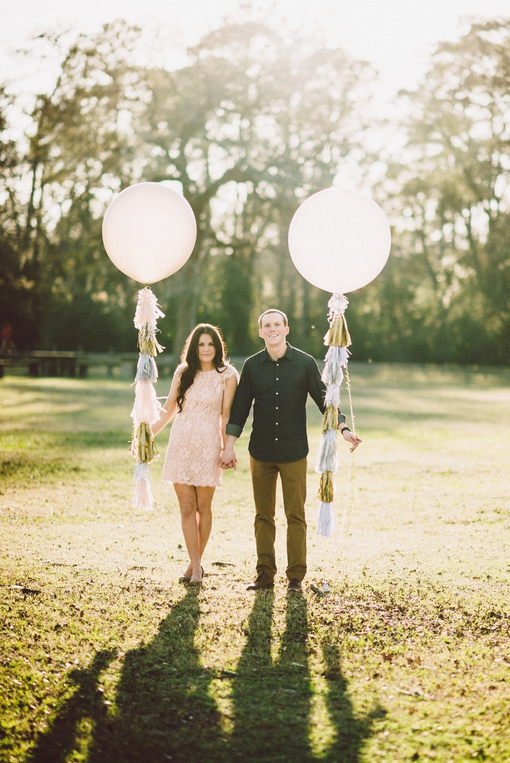 Balloon Engagement Pictures #josephwestphotography #diyGeronimoballoons