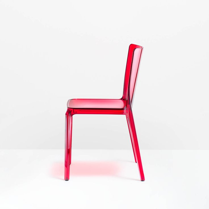 Blitz, Plastic (R)evolution design M. Pocci and Claudio Dondoli _ #Polycarbonate #chair with a strong personality in various #colours and even transparent. The seat has a slight rough finish and can have a recessed padding, covered with various fabrics. #Christmas