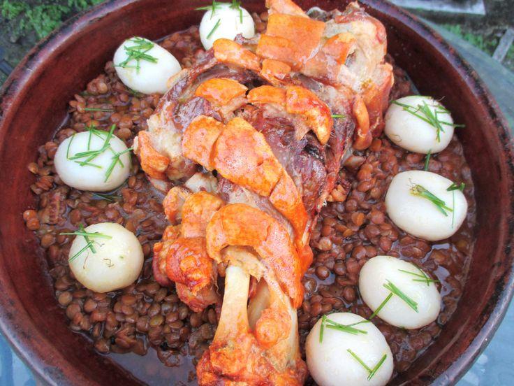GEBRATENE SCHWEINEHAXE, SAURE LINSEN & SCHNITTLAUCHKARTOFFELN (ROAST PORK HOCK & SOUR LENTILS)  To see all Pictures, Recipes and Links, go to www.ChefsOpinion.org