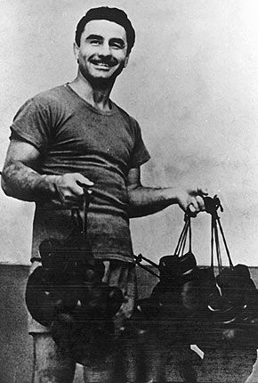 """Papp Laszlo (Laci Papp):  25 Marc 1926 - 16 Oct 2003 Died age 77   Boxing record:                   Total fights  29:  Win- 27  KO- 15  Draws- 2 Losses- 0  """"HE UNDEFEATED  IN THE RING"""" Olympic Games: Gold Medals 1948 London, 1952 Helsinki, 1956 Melbourne European Amateur Championships:  Gold Medals: 1949 Oslo, 1951 Milan"""