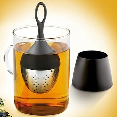Floating Tea Egg: Fill with your blend of tea and put the tea egg into the hot water of your teacup. The tea-egg always stays on the surface of the water: Dry, cool and ready to be taken out cleanly and safely instead of leaving a burning trail of hot water. Once your tea is ready, just put your tea-egg back on the supplied stand.