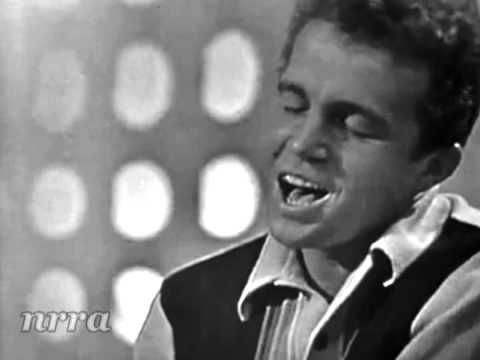 "Bobby Vinton ""Mr. Lonely"" - YouTube"