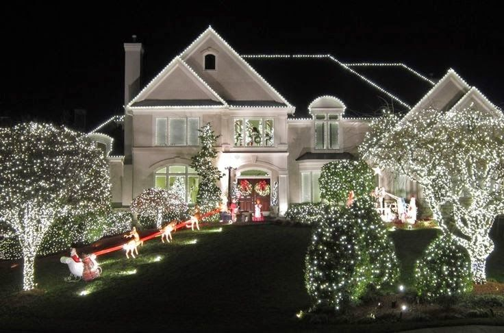 Best 25 exterior christmas lights ideas on pinterest outdoor christmas trees christmas for Christmas lights for house exterior