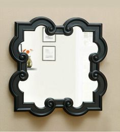 <p>This rococo mirror frame is something that will attract the onlookers towards it....</p>