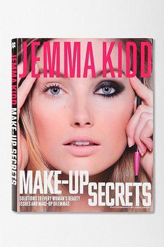 Make-Up Secrets By Jemma Kidd includes how to do iconic makeup looks like Audrey Hepburn, Grace Kelly & Sophia Loren