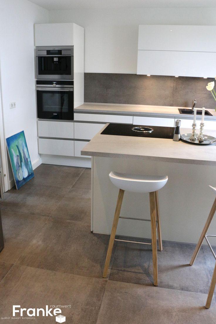 Moderne Küche - Fliesen in einer gewachsten Beton - #Beton