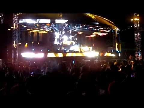 (HD) UZ @ EDC Vegas 2013 (Bass Pod)