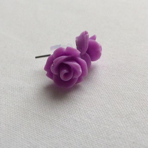 Rose earrings, purple