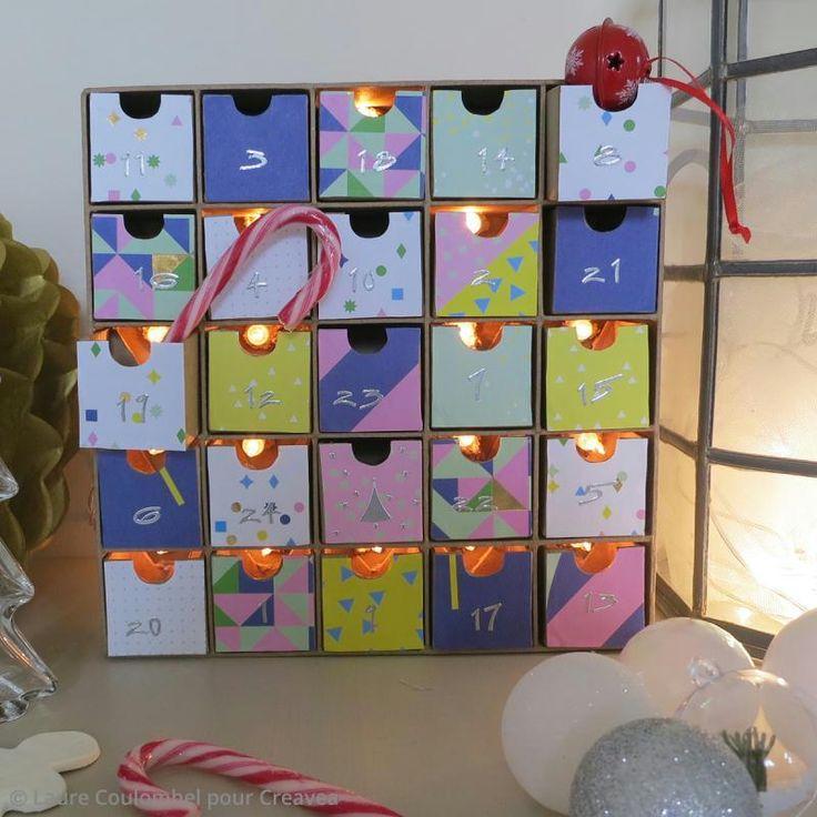 ¡Consigue una decoración sublime con este bonito calendario de adviento luminoso! Decóralo a tu gusto con diferentes adornos y accesorios creativos.