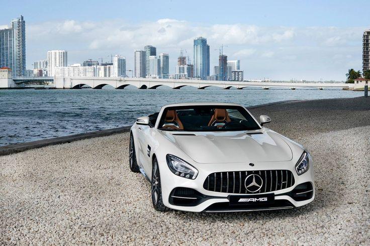 Äkta sommarkänsla med respektingivande Mercedes-AMG GT C. Vart skulle du vilja åka med AMG GT C den här sommaren? #MBPhotoCredit: Jonathan Glynn-Smith