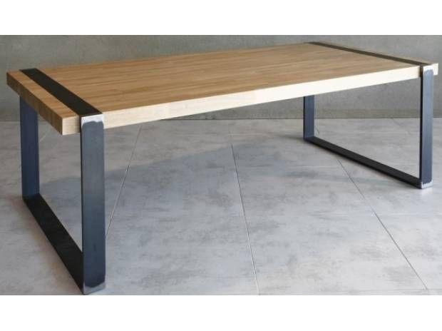 Mesa con planchuelas de hierro