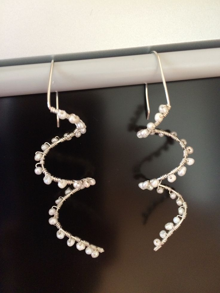 Wire and pearl earrings