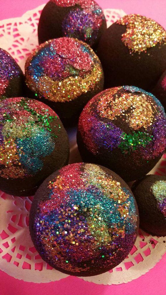 Aurora Black Bath Bombs. Beautiful Glitter Bath by LaBonitaPetra