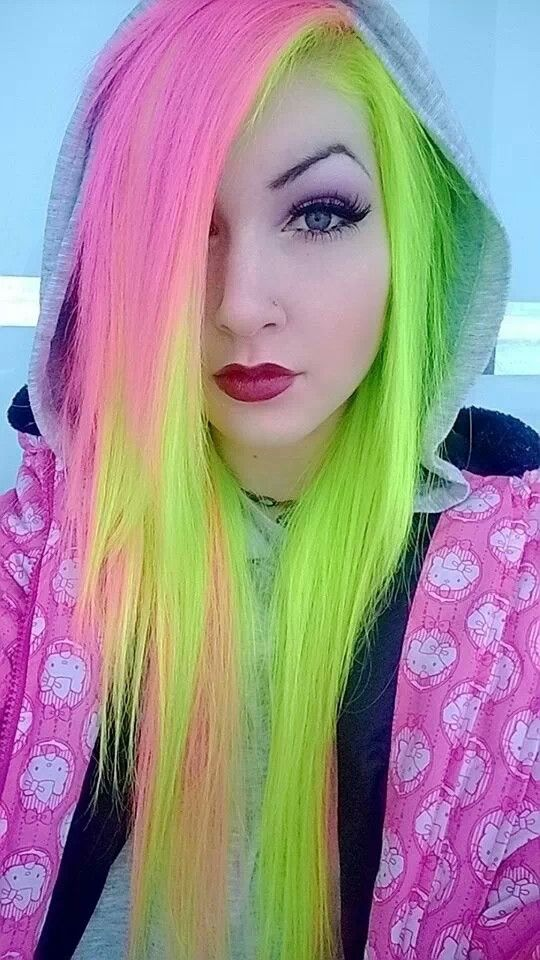 neon pink and green hair- this is so pretty