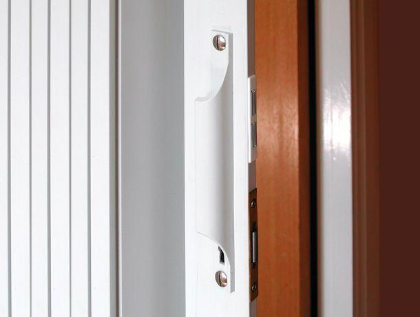 A Folding Door Is The Kind Of Door Which Opens With The Aid Of Folding Decrease Lower Back In Units Percentage Foldingdoor In Du Folding Doors Doors Door Handles