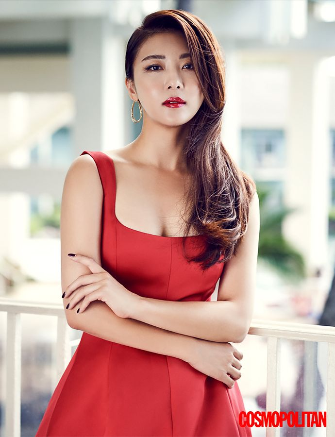 Ha Ji Won is a Picturesque Beauty in Hawaii for 'Cosmopolitan'! | Koogle TV