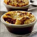 MINI SHEPARD'S PIE: A small twist on the traditional English dish   #potatoes #ComfortFood