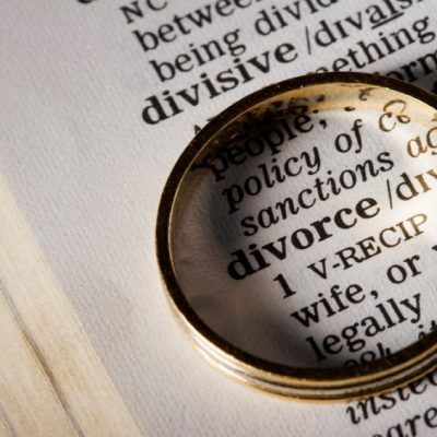 The different rules and procedures of military divorce || Image Source: https://marrisonfamilylaw.files.wordpress.com/2017/06/divorce-laws-400x400.jpg
