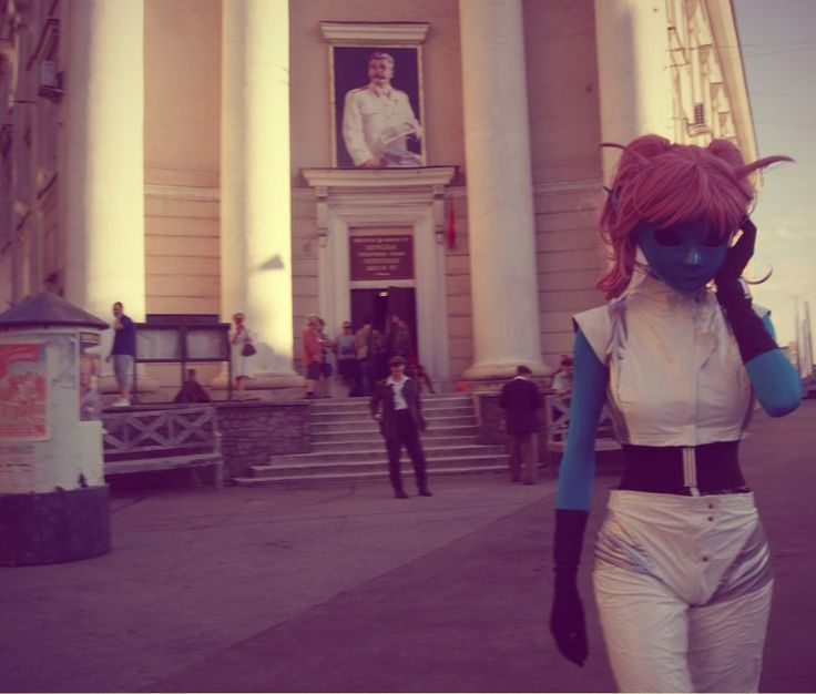 Joseph Stalin portray, some people in strange clothes… Where am I? And, more importantly, WHEN? #kigurumi