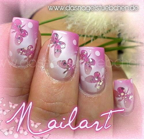 Airbrushed Nails #Nageldesign #Nailart #Schmetterlinge