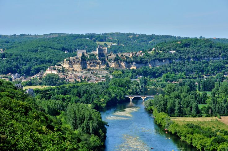 France is a fantastic country for a camping holiday. It's also the most visited country in the world, and for good reason too. It's wonderfully diverse and each of the 22 regions offers somet…
