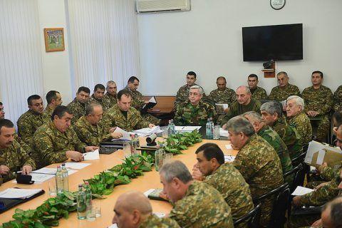 Ermənistan prezidenti Qarabağda hərbi müşavirə keçirib