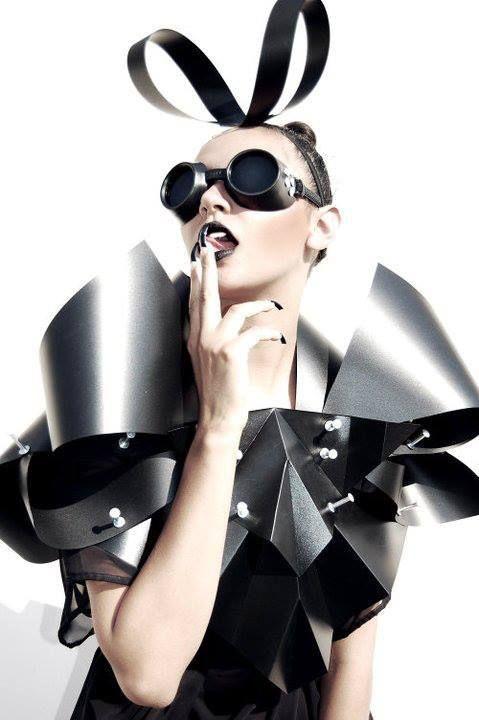 Roberto De La Nuvo cool metal circus steampunk...cyber pixie fashion minnie mouse 2364