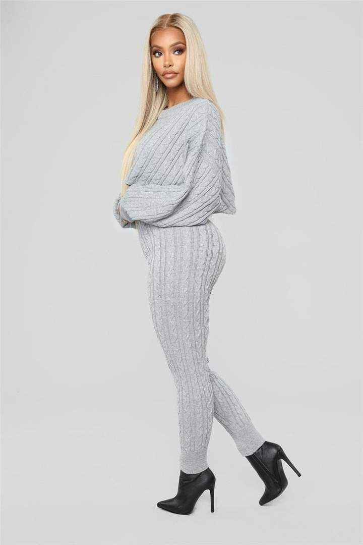 354415aae77 Sweet Sweater Outfits in 2019