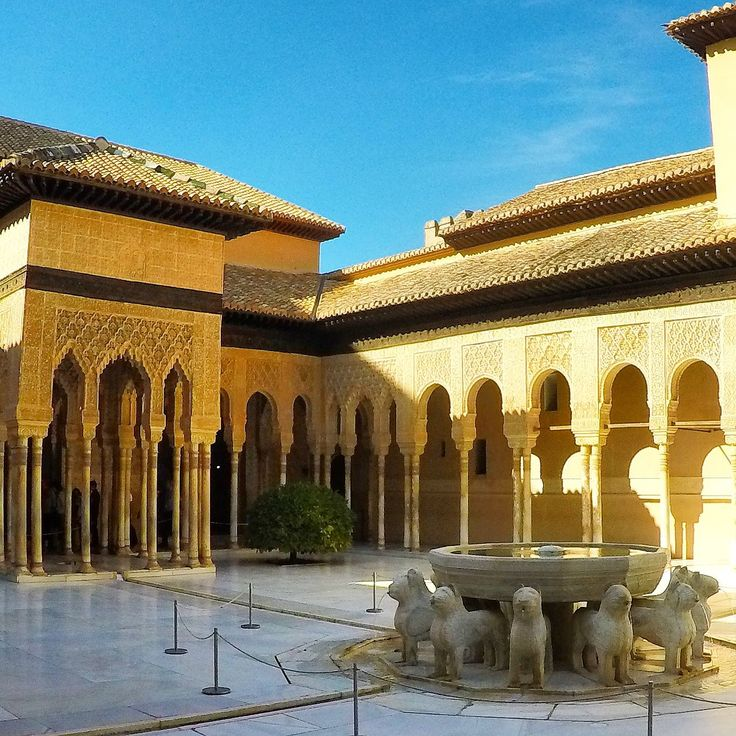 Granada & La Alhambra ✔ Visit the Nasrid Palaces this Saturday 06.01.18 booking a great day trip from Malaga!   #Malagatrips #daytripsfrommalaga #granadadaytrip #alhambradaytrip #granada #alhambra #malaga #andalucia #tours #malagatours #excursion #nasridpalaces #Saturday #triptogranada #holiday #vacation #inspiration #january