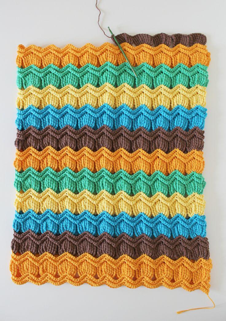 crochet vintage fan ripple blanket. Pattern:  http://www.ravelry.com/patterns/library/vintage-fan-ripple-stitch-pattern