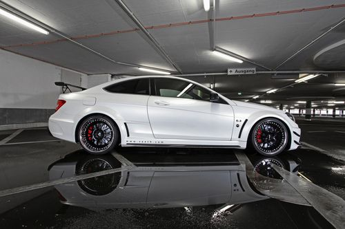 crash—test:    Vaeth Mercedes-Benz C 63 AMG Coupe Black Series (by GermanCarScene)