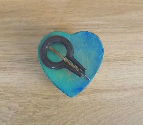 Special Valentine's day gift. Sicilian jews harp in a turquoise hand painted heart shaped box ( guimbarde, marranzano in iron). SMALL size