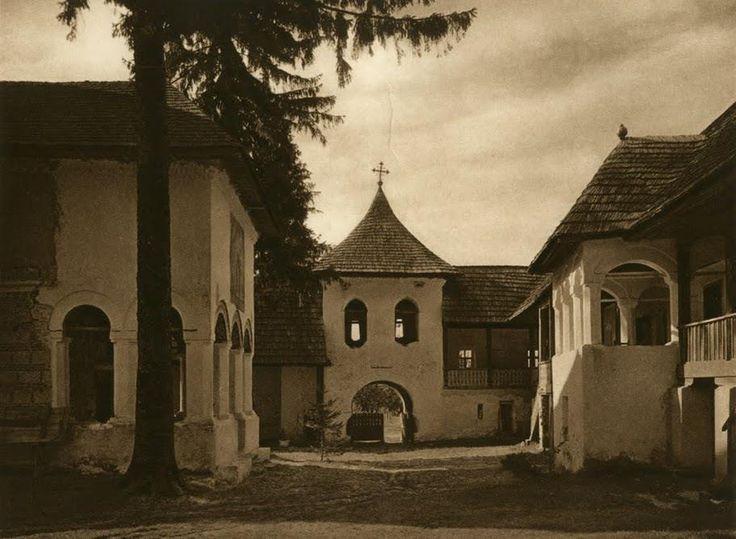 Manastirea Polovraci - Kurt Hielsche