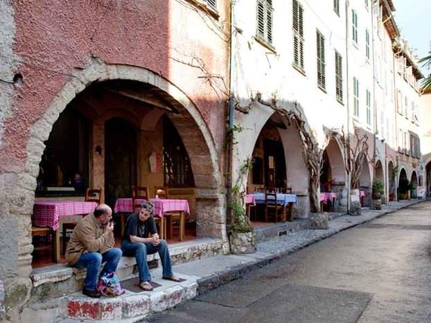 Il lato nascosto della Costa Azzurra, dove ogni borgo offre artigianato di qualità. http://www.marcopolo.tv/francia/settembre-in-costa-azzurra-borghi-shopping
