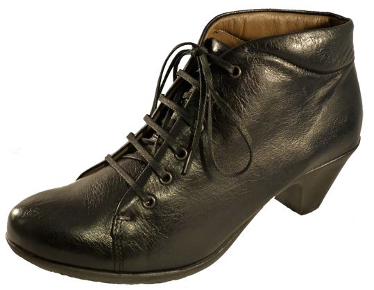 Black leather shoes with heel - Made in Italy shoes online - Online shoe store