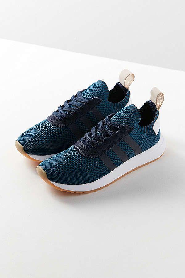 Slide View: 4: adidas Originals Flashback Primeknit Sneaker