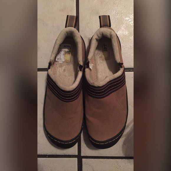 New Jeep shoes New never Jeep Shoes. worn picture show conditions. Tan color. •textile upper, faux fur lining. Soft and warm. Rubber soles. Jeep Shoes Mules & Clogs