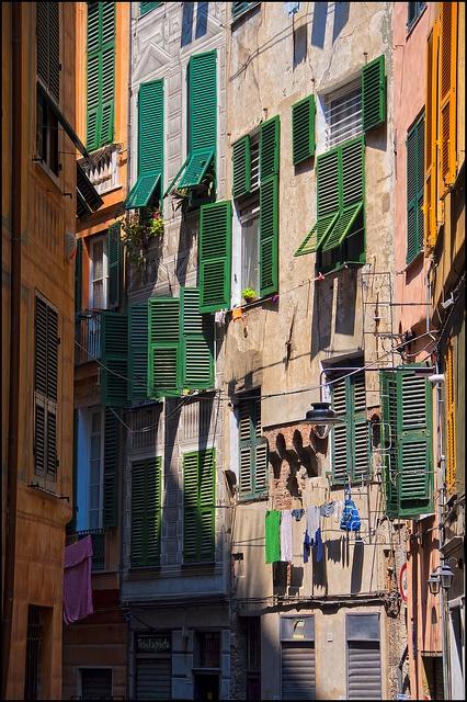 Genova of Genua -  't lijkt wel Staphorster groen in the Big City.... Ciao, Pietro - www.ItalieABC.nl