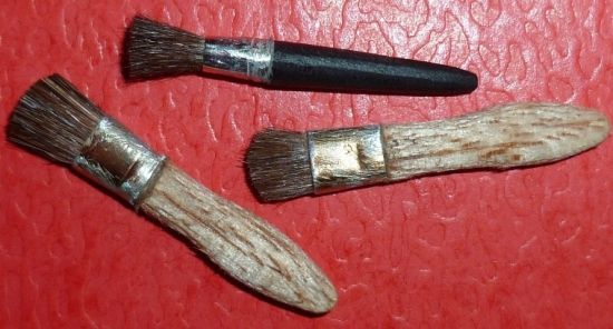 Brushes (large brushes to paint the walls).