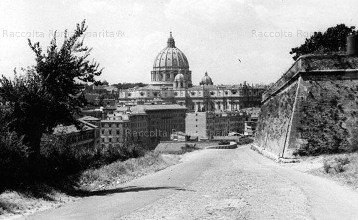 : Viale delle Mura Aurelie – Fotografia scattata da soldati dell' esercito americano Anno: 1944