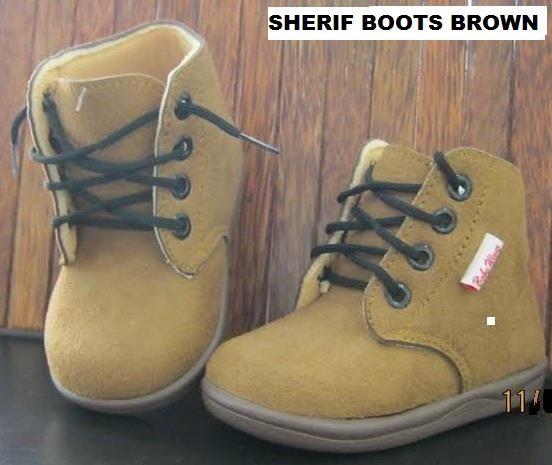 #Sepatu Anak Baby Wang (Sherif boots brown) ~ 105ribu ~ Size : Ukuran Sol dalam (panjang kaki anak) : No. 3 : Sol 13cm (Umur 1 - 1,5 thn) No. 4 : Sol 13,5cm (Umur 1,5 - 2thn) No. 5 : Sol 14cm (Umur 2 - 2,5 thn) No. 6 : Sol 14,5cm (Umur 2,5 - 3thn)
